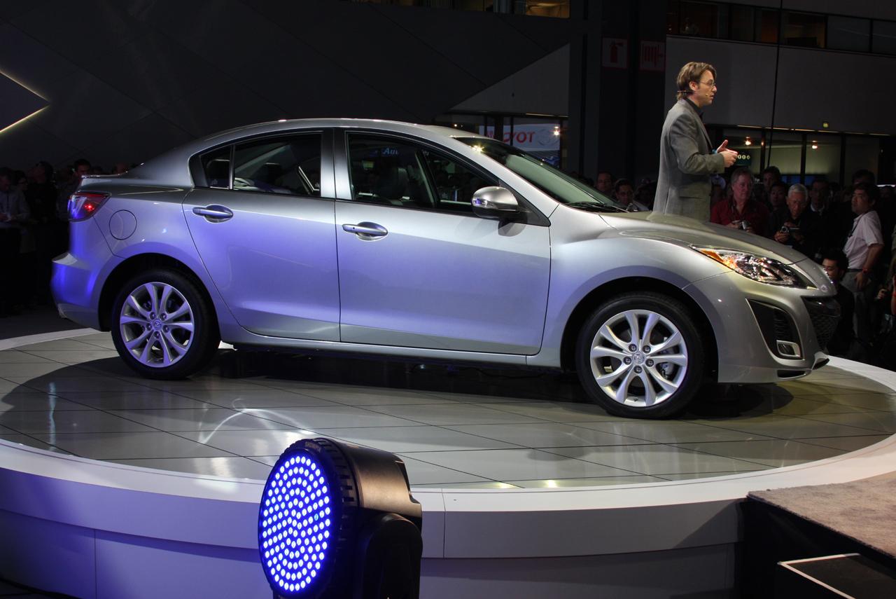 new-mazda3-sedan9
