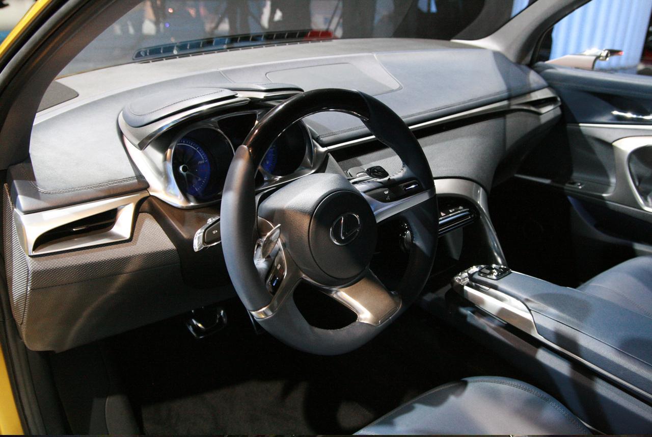 Lexus LF-Ch Concept at Frankfurt 2009_10