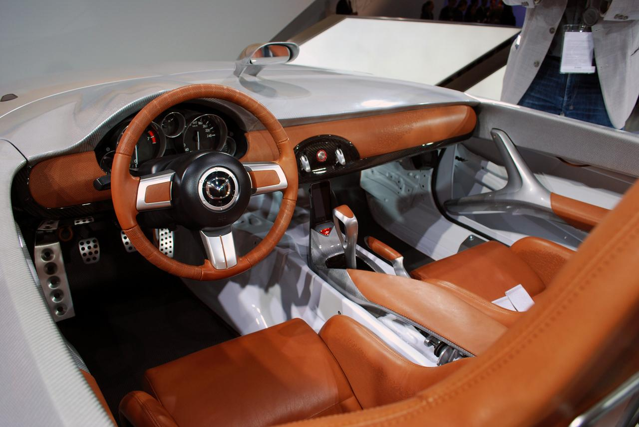 http://www.asiancarsblog.com/wp-content/uploads/2009/10/Mazda-MX-5-Superlight-at-Frankfurt-2009_8.JPG