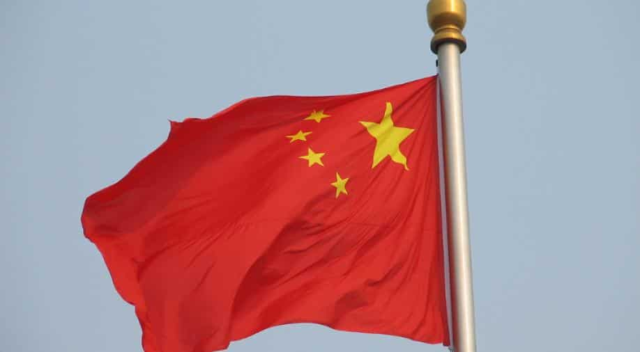 """The Chinese embassy sweeps the South China Sea in """"fusty"""" Jan"""
