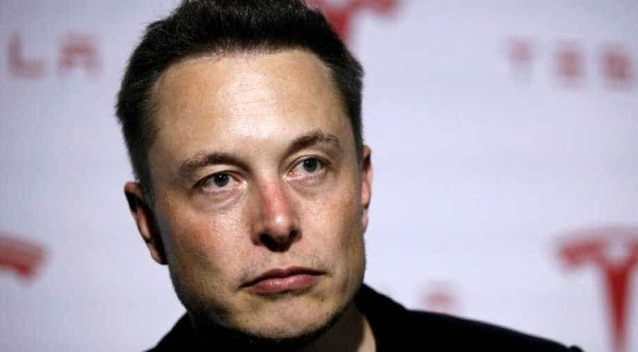 """""""Wait for us"""": The hacktivist group Anonymous is targeting Elon Musk for its crypto market"""