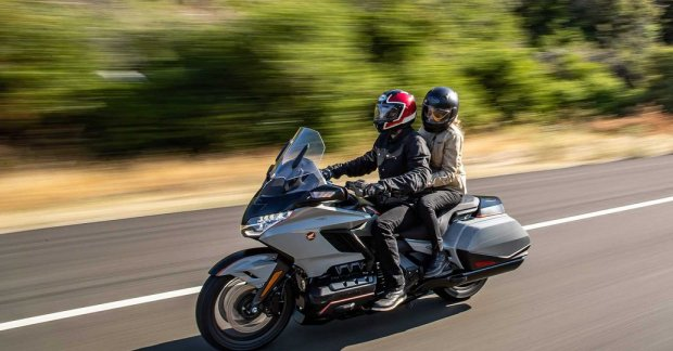 BS6 Honda Gold Wing is here: 2 transmission options, starting price 37.20 lakh