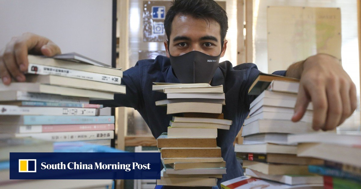 Ex-prisoner from Hong Kong helps those who are still behind bars with a book donation initiative at the grassroots level