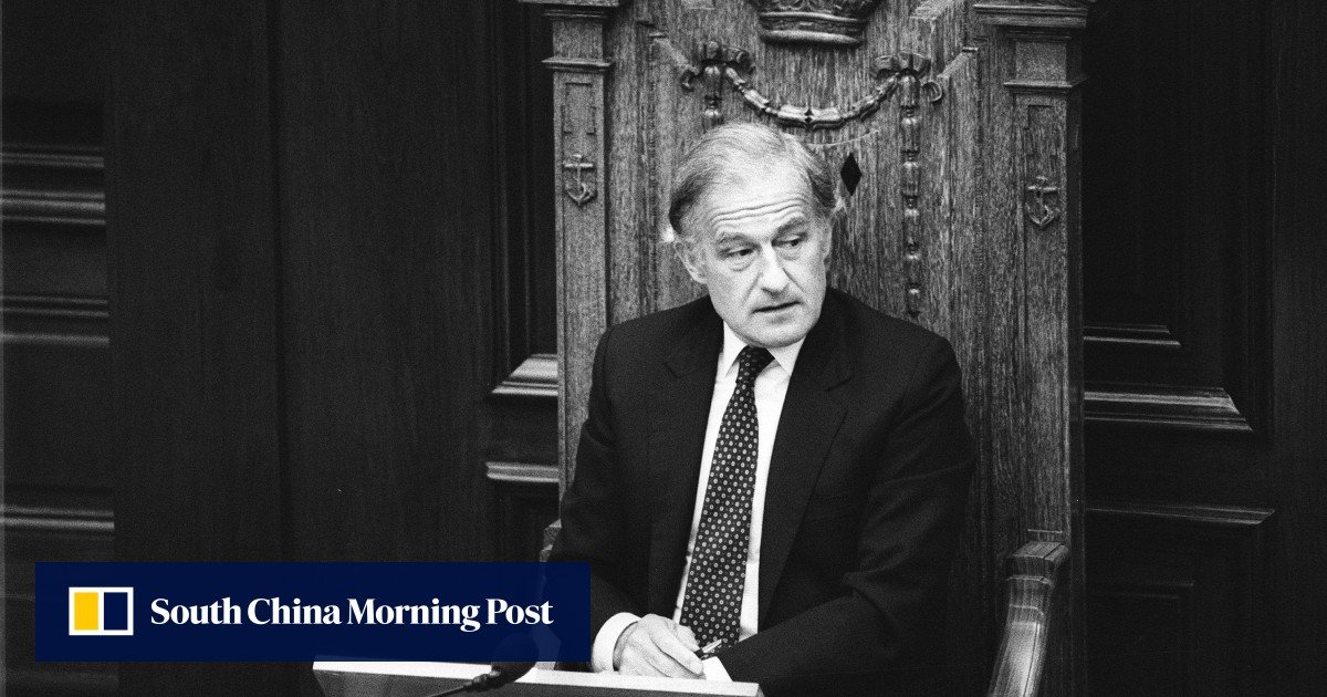 Ex-Hong Kong governor urged Britain to oppose citizenship requirements for top advisors and judges in 1989, soliciting concessions from the People's Liberation Authority, declassed Pers show