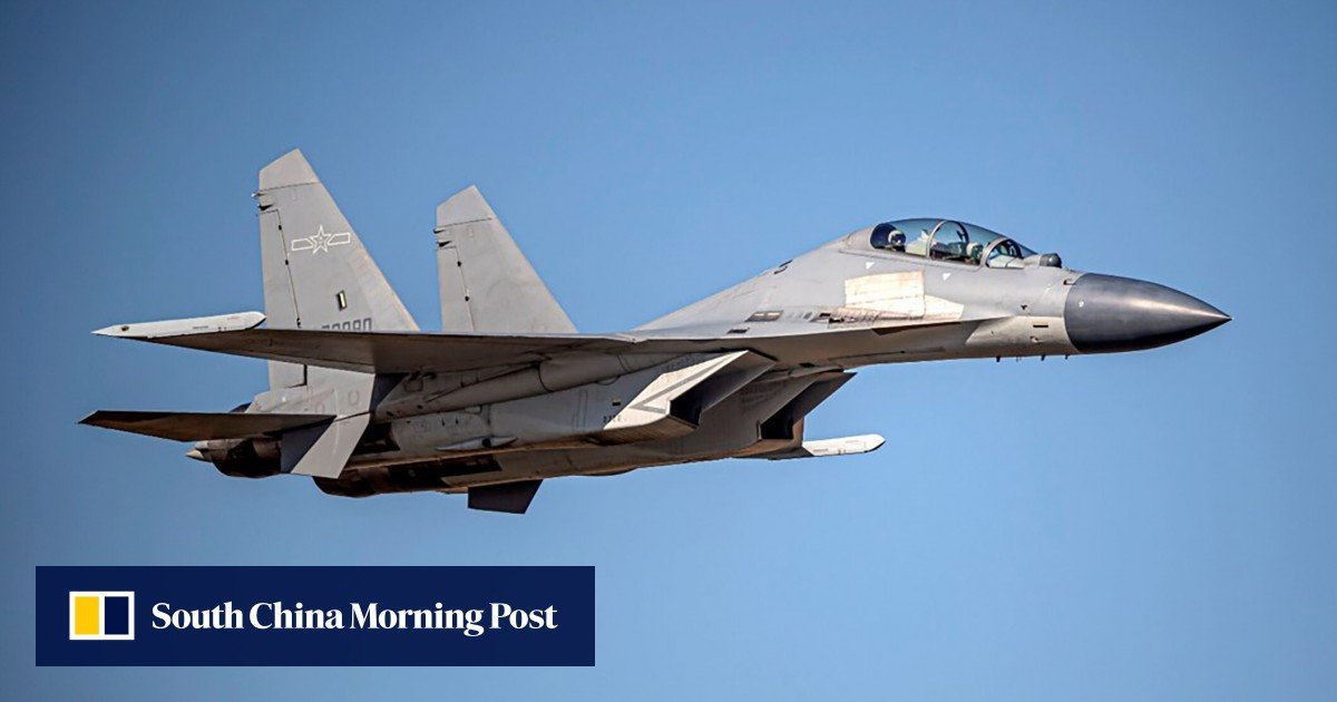 Is the Chinese military trying new combat tactics with J-16s?