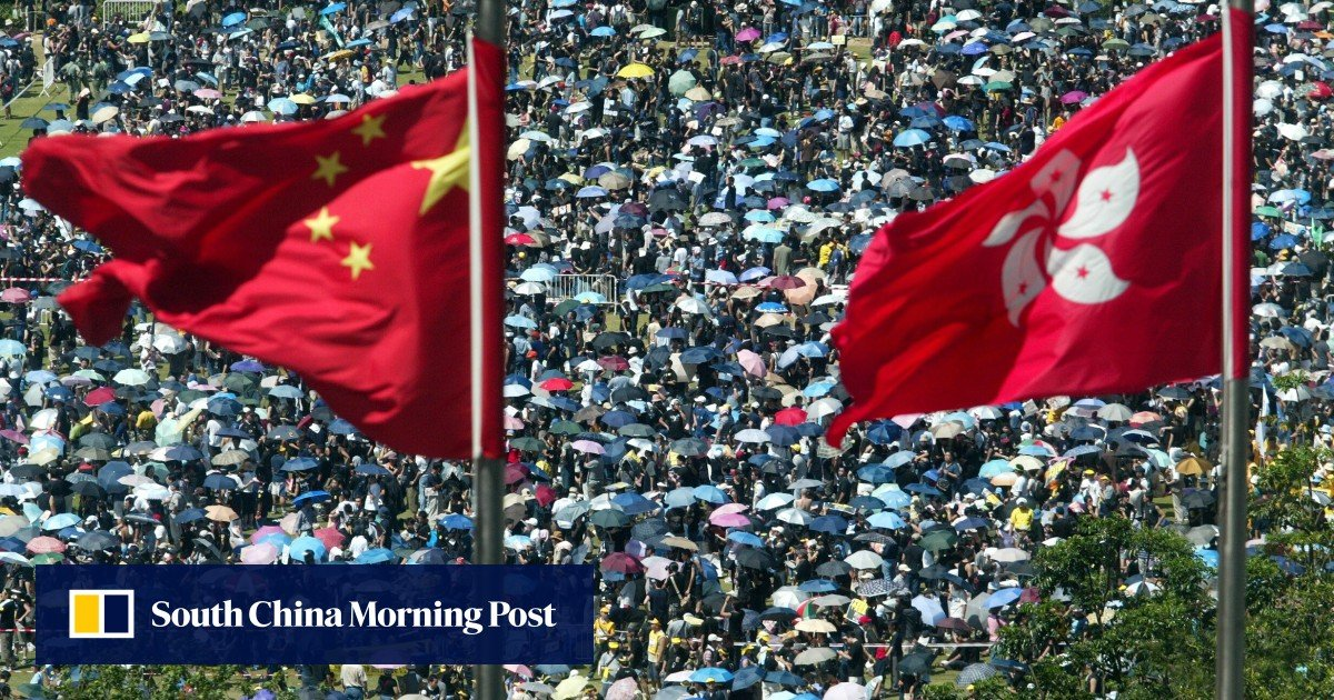 Protests in Hong Kong: The Civil Human Rights Front confirms it has disbanded as members keep their distance amid police investigation