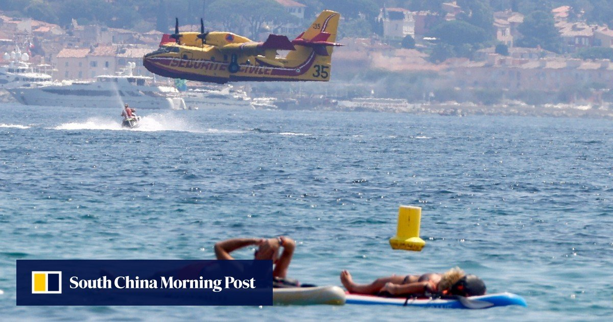 """""""Violent"""" forest fires in France force evacuations near the glittering beach resort of Saint-Tropez"""