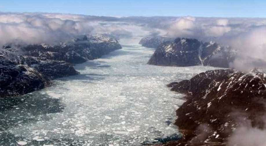Experts warn that the first rain in the Greenland ice sheet shows the risks of climate change