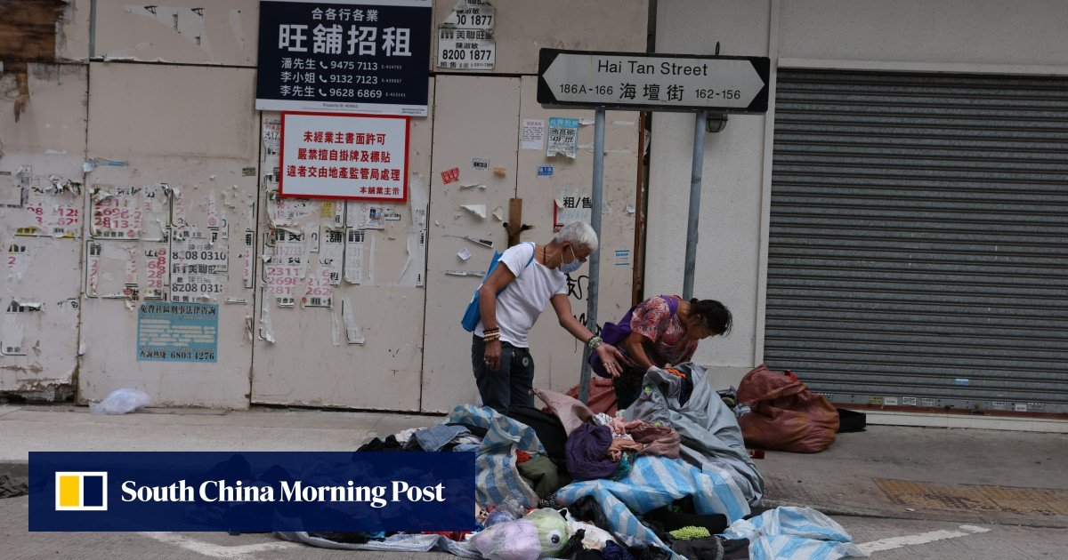 Hong Kong needs a poverty leader to solve the problems of the city's poor, says a large union group