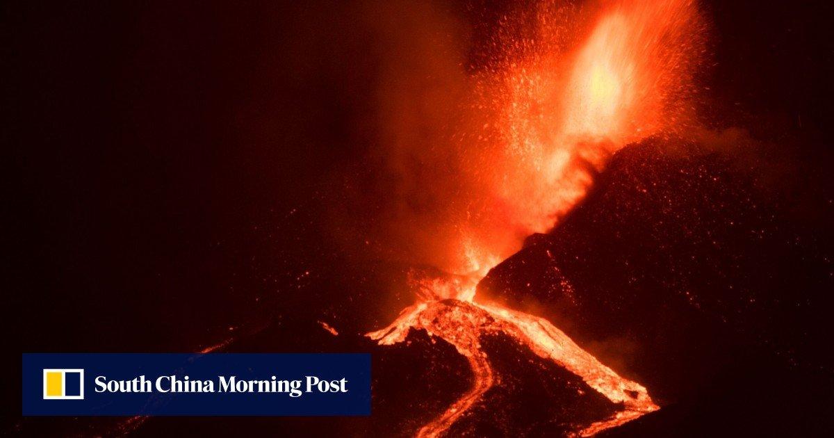 Spain's Prime Minister promises to rebuild La Palma when the volcanic eruption gains strength